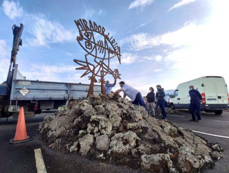 Los Centros reponen la escultura Pájaro-pez que da la bienvenida al Mirador del Río